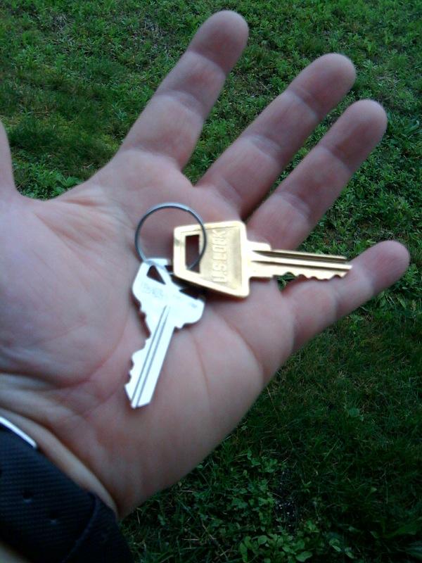 T's apartment keys